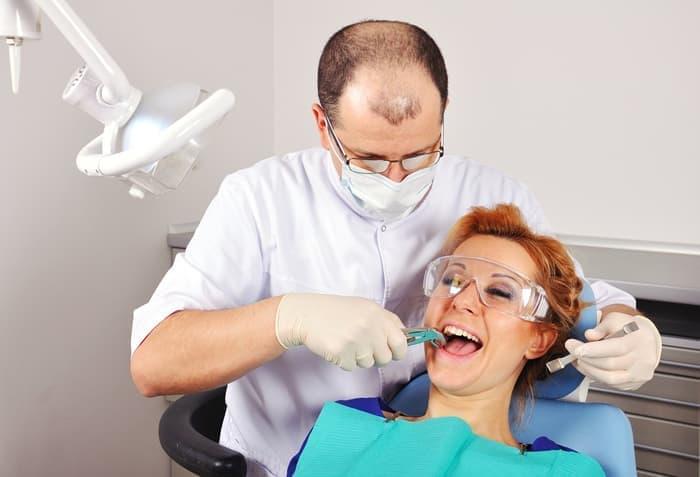 Имплантация зуба в стоматологии
