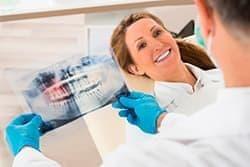 Подобрать метод для выравнивания зубов может только стоматолог-ортопед.