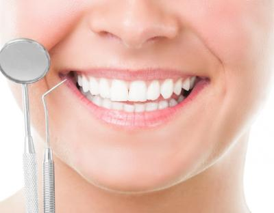 8a15a42eacd44 Чистка зубов Air Flow. Описание Стоимость Врачи Рекомендации Примеры работ.  Эффективная чистка и осветление эмали